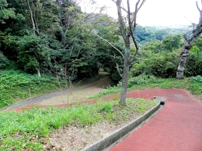 Tsukayama Park walking trail toward Anjinzuka.